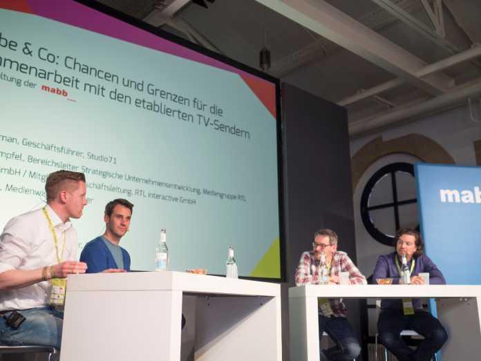 TV-Sender umarmen die Youtuber-Community – Rechts: Marcus Dimpfel von RTL, links: Ronald Horstmann von Studio71