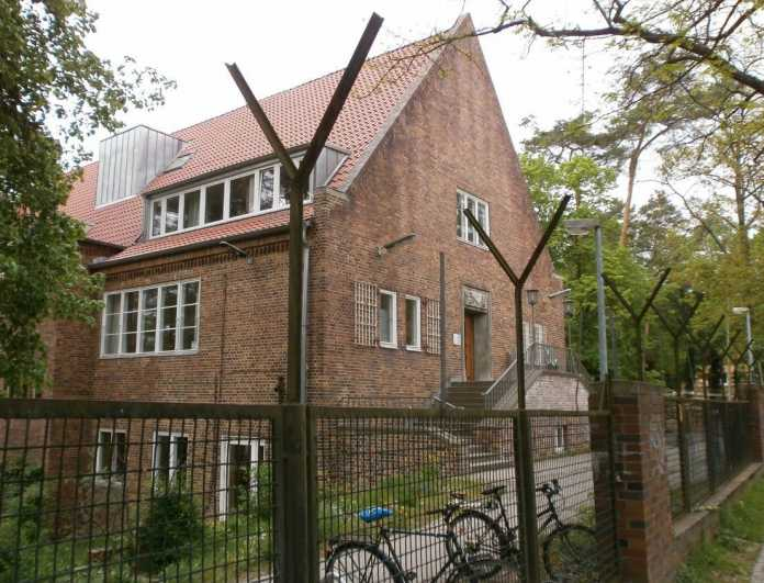 Das alte Berliner CIA-Hauptquartier am Föhrenweg in Dahlem