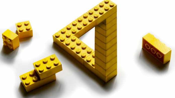 Unmögliche Konstruktion aus Lego