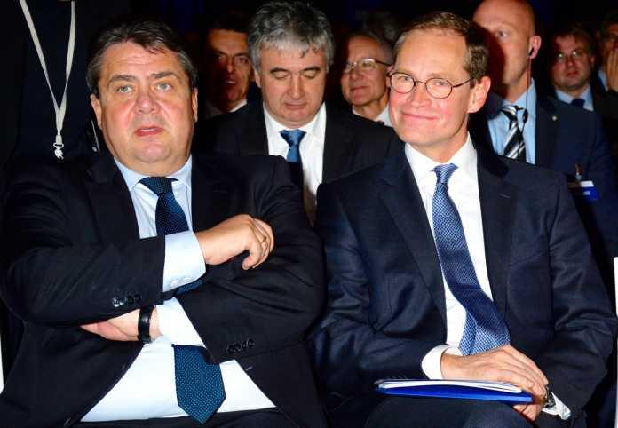 Gabriel mit Berlins Regierendem Bürgermeister Michael Müller