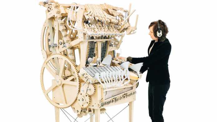 Wenn die Band bastelt: Murmel-Musik-Maschine mit 2000 Kugeln