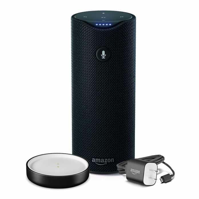 Amazon Tap ist eine kleinere Version von Amazon Echo zum Mitnehmen. Im stationären sitzt der Lautsprecher in einer Ladeschale.