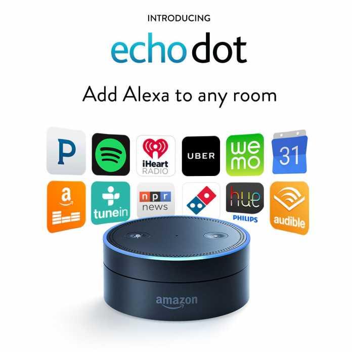 Der Echo Dot sieht aus wie der Deckel des Amazon Echo und lässt sich an beliebige Audiosysteme anschließen.