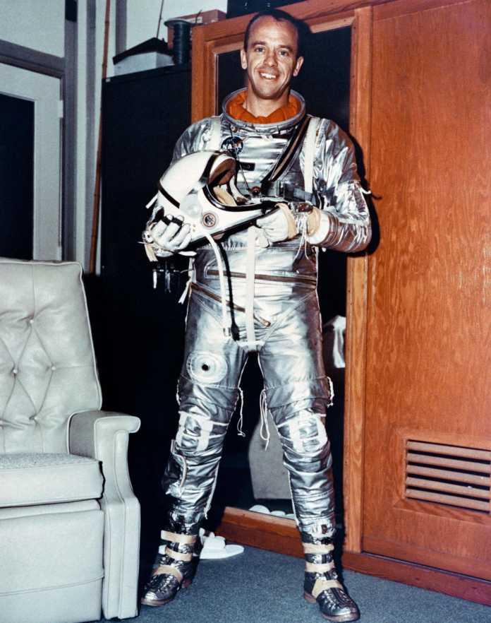 Alan Shepard in seinem Raumanzug