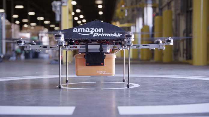 Amazon-Drohne mit Paket