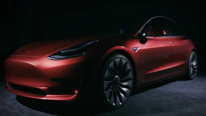 Audi-Manager soll Teslas E-Auto-Produktion beschleunigen