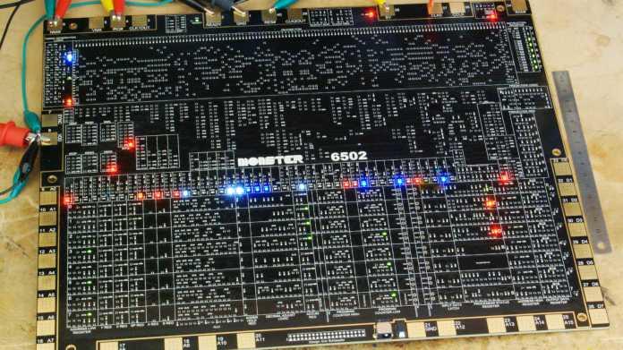 MOnSter 6502: Diskret aufgebauter 6502