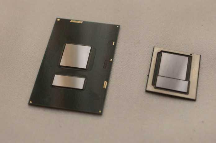 Intels Kaby-Lake-CPUs der U-Serie (links) haben größere Diecarrier als die Prozessoren der Y-Serie (rechts). Beide gibt es ausschließlich als auflötbare FBGA-Modelle.