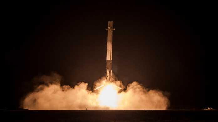 SpaceX: Rakete und Satellit auf Cape Canaveral explodiert