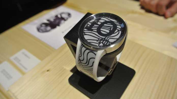 Sony: Chameleon-Uhr mit E-Paper-Displays im Armband