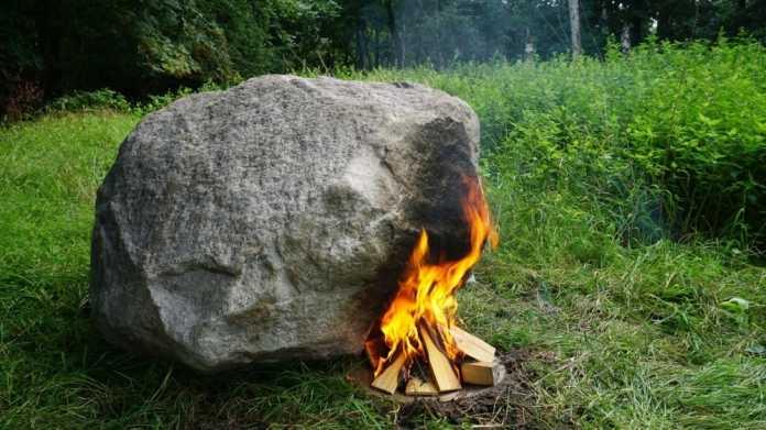 Projekt Keepalive: Ein Stein mit WLAN gibt Survival-Tipps