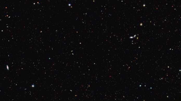 Hubble-Teleskop: Zehnmal so viele Galaxien im Universum wie bisher gedacht
