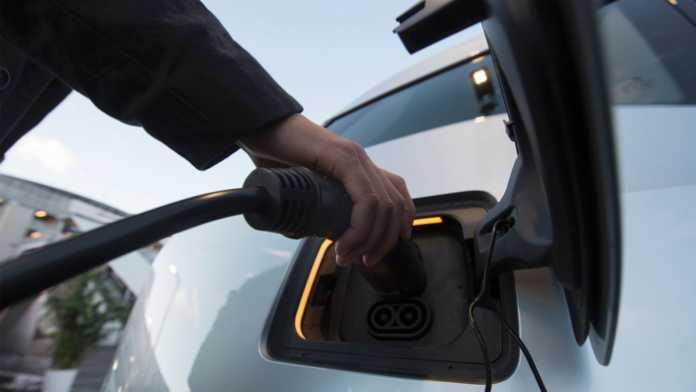 Bessere Regulierung könnte Durchsetzung des Elektroautos deutlich beschleunigen