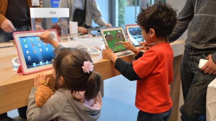 Kinder am iPad