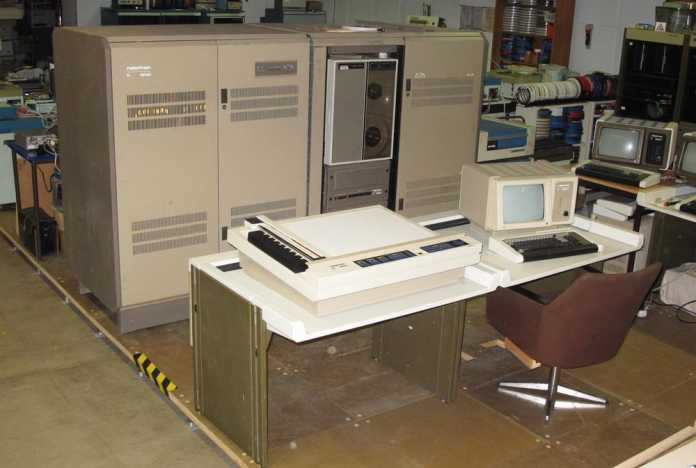 """Einer von noch vier existenten K1840 von Robotron. Sowas ging früher mal als """"Superminirechner"""" durch."""