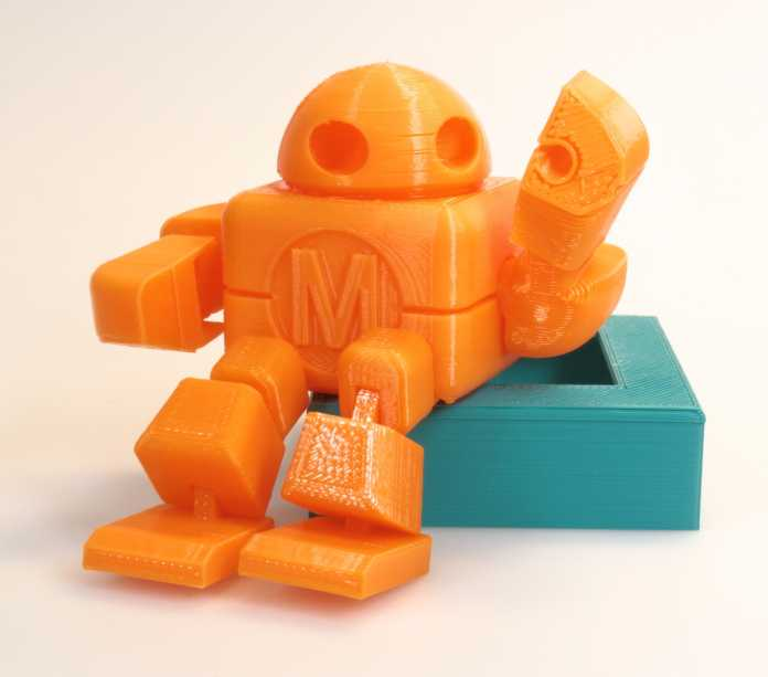 Testdruck eines Makey-Roboters aus dem Flashforge Finder