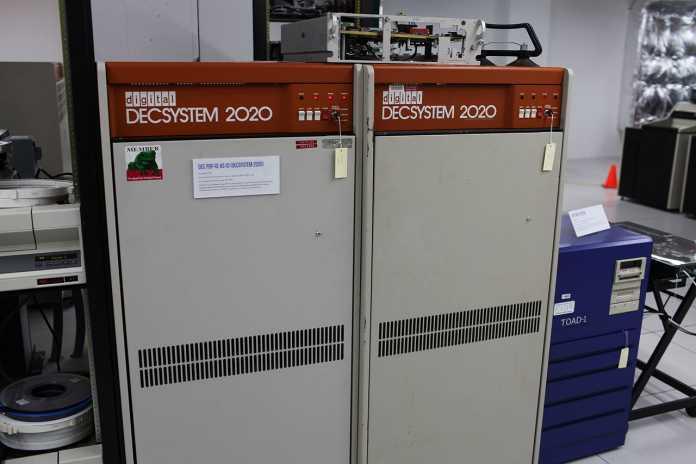 Gary Thuerk wollte mit seiner Mail-Kampagne im Arpanet für die vernetzte Version des DECSystem 2020 werben.