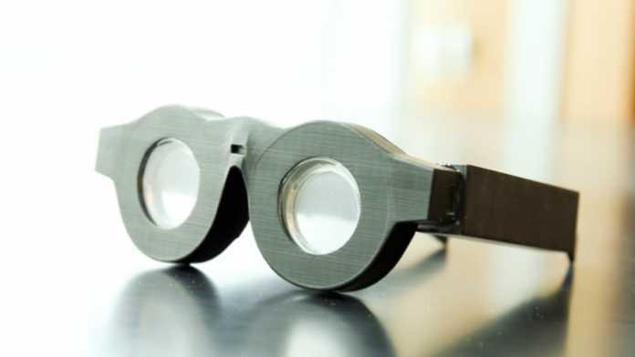 High-End-Brille mit flexiblen Linsen