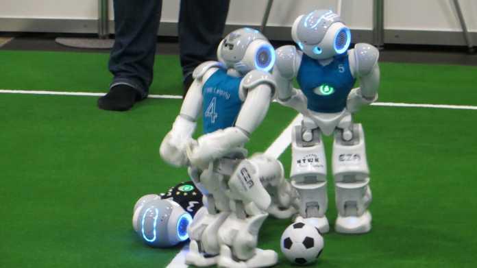 RoboCup: Die Maschinenkicker legen zu – und deutsche Teams räumen ab