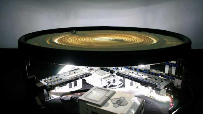Billund Table: Sandkunst mit Lego Mindstorms