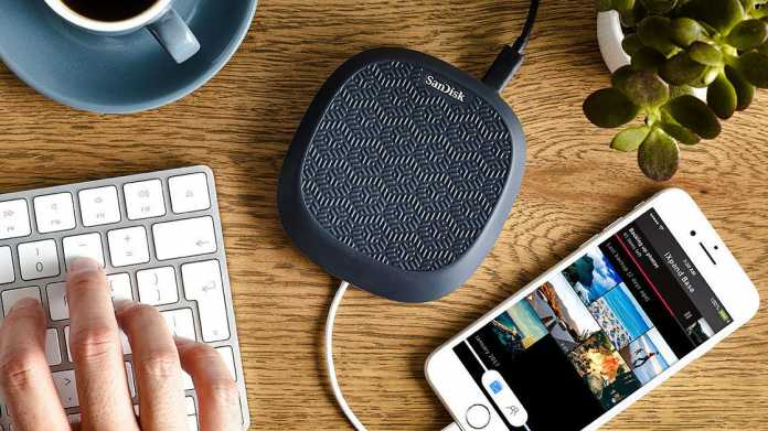 SanDisk iXpand Base: iPhone-Ladestation soll Fotos lokal sichern