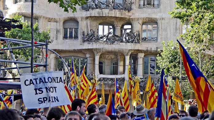 Vor Referendum: Spanische Polizei geht gegen Stiftung für .cat-Domain vor
