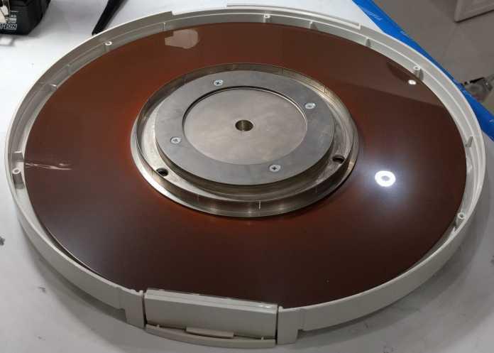 Geöffnete 14-Zoll-Diskette