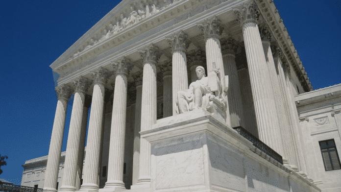 Teilnehmer von Online-Liga sagen als Gruppe Gerichtsentscheidungen präzise voraus