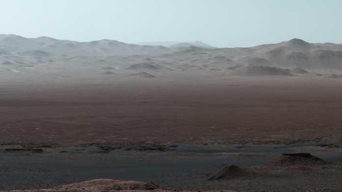 Mars-Rover Curiosity: Riesiges Panoramafoto zeigt Krater und bisherige Wegstrecke