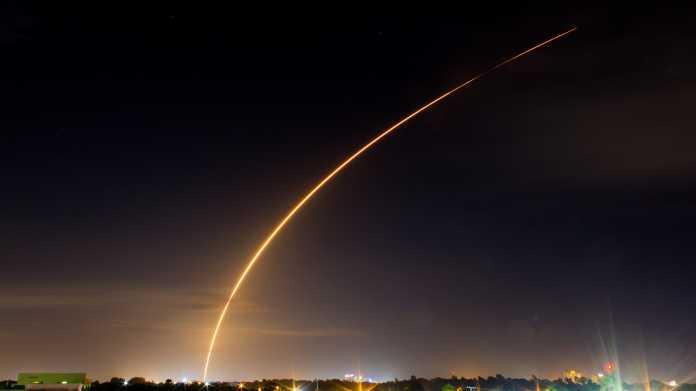 SpaceX startet So. die ersten beiden Test-Satelliten für Starlink