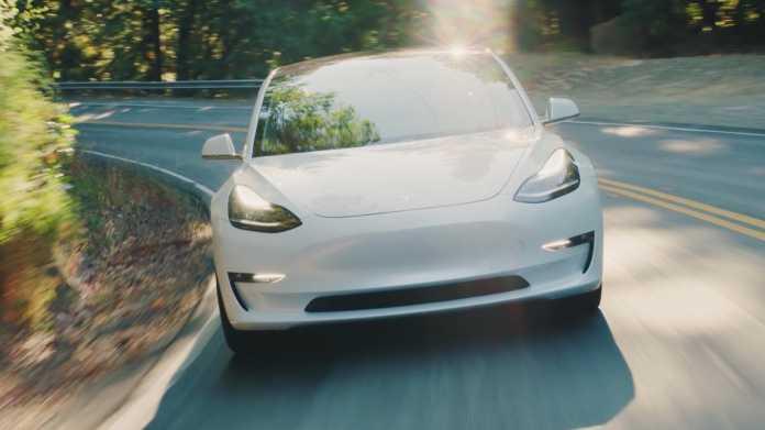Tesla will Model 3 bald rund um die Uhr produzieren