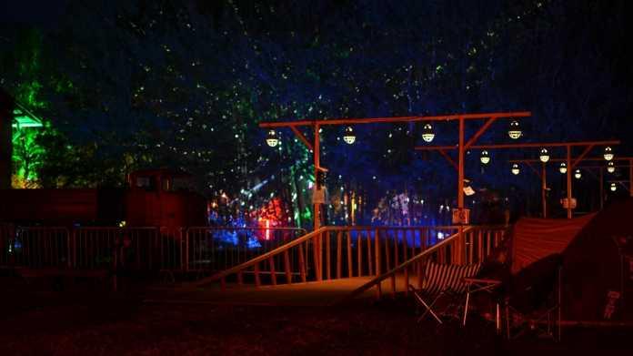 Bunte Lichter auf dem Chaos Communication Camp 2015