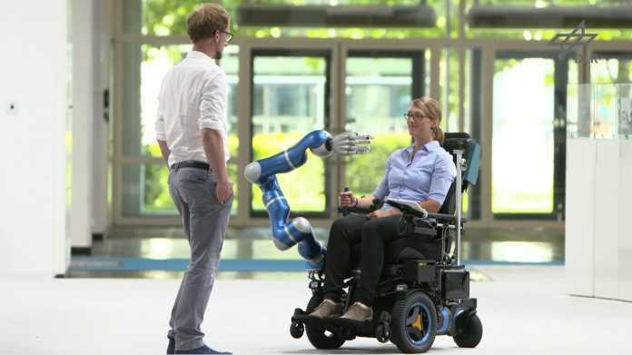 Muskelsignale steuern den Roboterarm von EDAN.