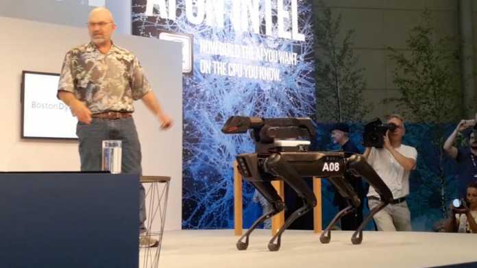 Spot Mini: Boston Dynamics führt Roberhund vor
