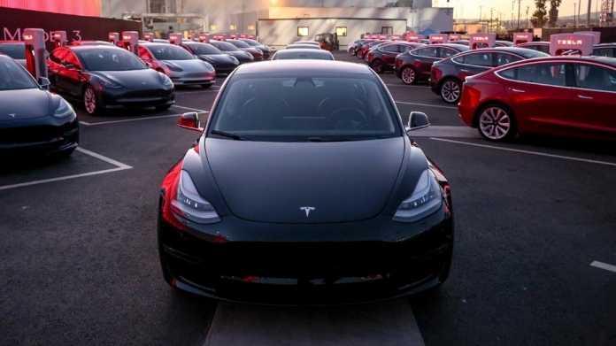 Elektroauto: Tesla erreicht Produktionsziel für Model 3