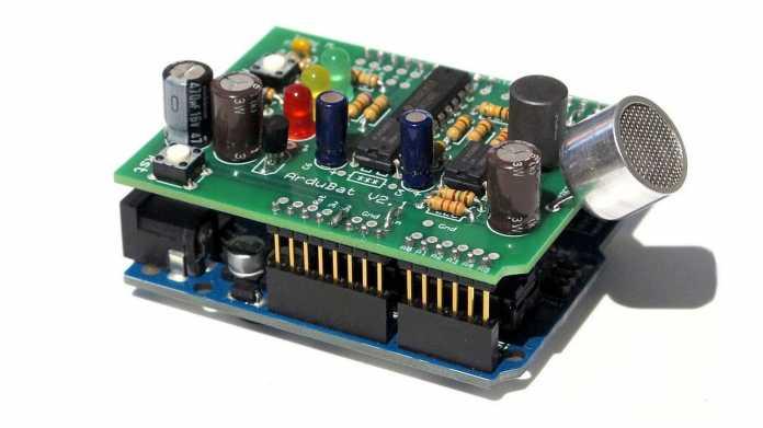 Arduino-Board mit Aufsteckplatine ArduBat