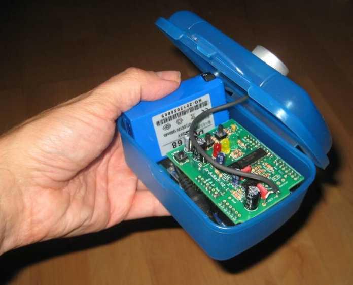 Brotdose mit Arduino und Aufsteckplatine ArduBat