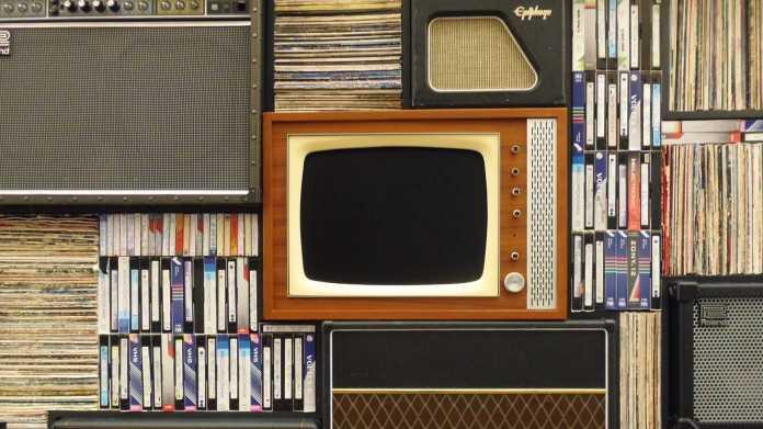 Archiv der Fernsehgeschichte: Wie Sender alte Videos digitalisieren