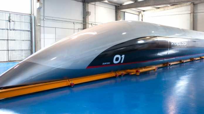 HyperloopTT stellt erste Kapsel in Originalgröße vor