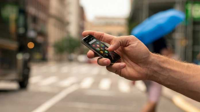 Vodafone bringt Mini-Handy von Palm nach Deutschland