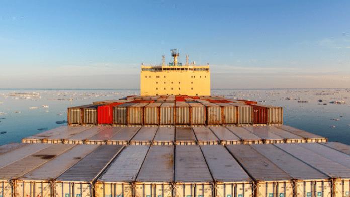 Das erste Containerschiff bewältigt die Nordostpassage
