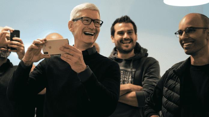 Apple-CEO unterwegs: Der vielseitige Mr. Cook