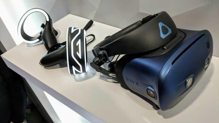 Die Vive Focus kommt mit auffälligen Hand-Controllern.