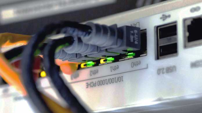 LAN-Kabel in Router