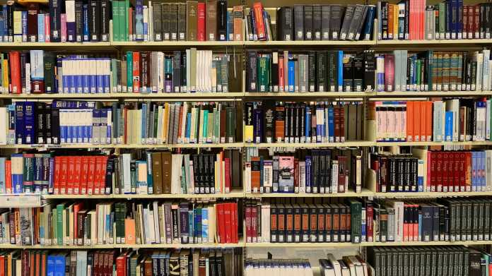 Artikel 13: Kostenlose Lehrmaterialien im Netz bedroht
