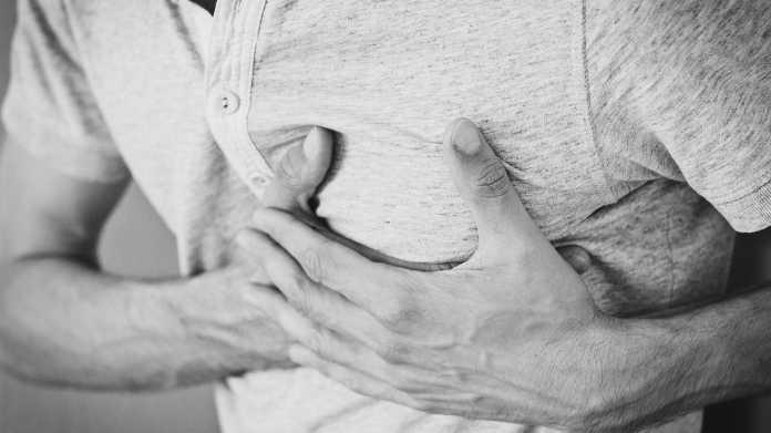 Unzureichend abgesichert: Herz-Defibrillatoren offen für Hacker-Attacken