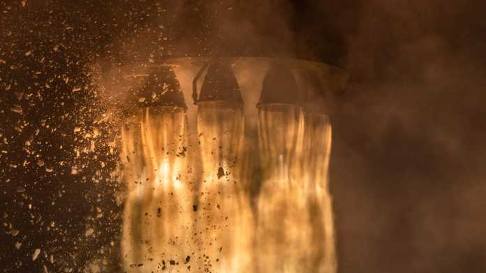 Feuernde Raketentriebwerke