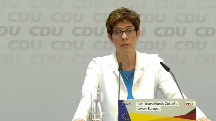 Wahlschlappe nach Rezo-Clip: CDU-Chefin erwägt Regeln für Meinungsäußerungen