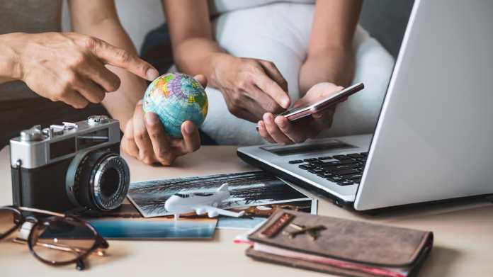 Technik für den Urlaub: Was Sie brauchen und was nicht