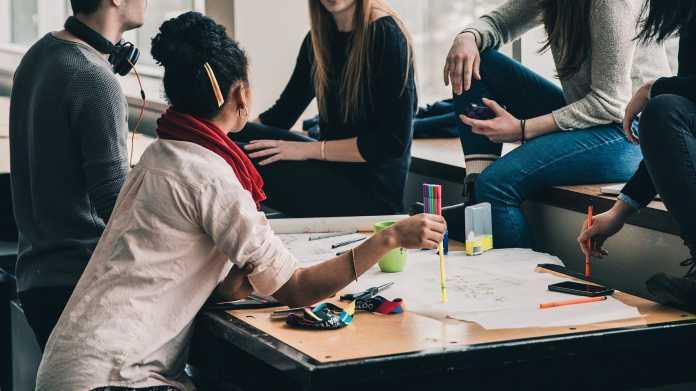 Umfrage: Uni-Absolventen fühlen sich unvorbereitet auf digitale Herausforderungen